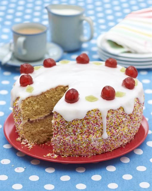 Sponge Cake Decoration Images : Cherry sponge cake - FAB
