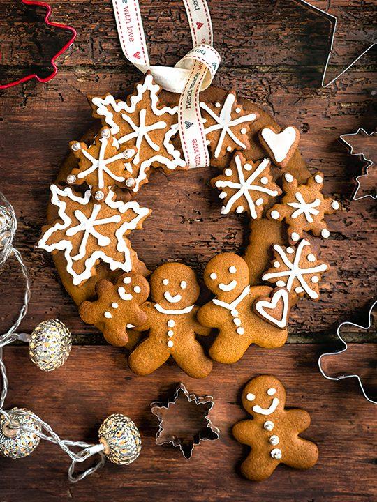 Festive gingerbread wreath - FAB